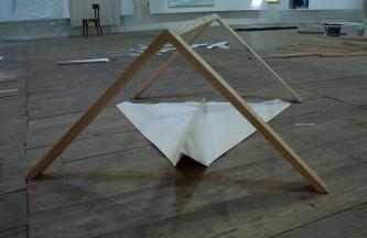Urlaub, oil on paper, wood, 87 x 120 x 100 cm